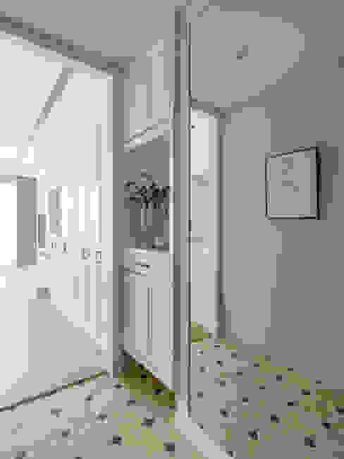玄關 Colonial style corridor, hallway& stairs by 存果空間設計有限公司 Colonial
