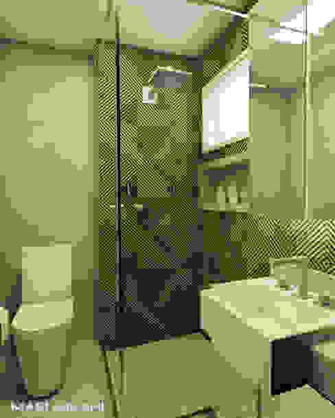Sanitário casal Mari Milani Arquitetura & Interiores Banheiros modernos