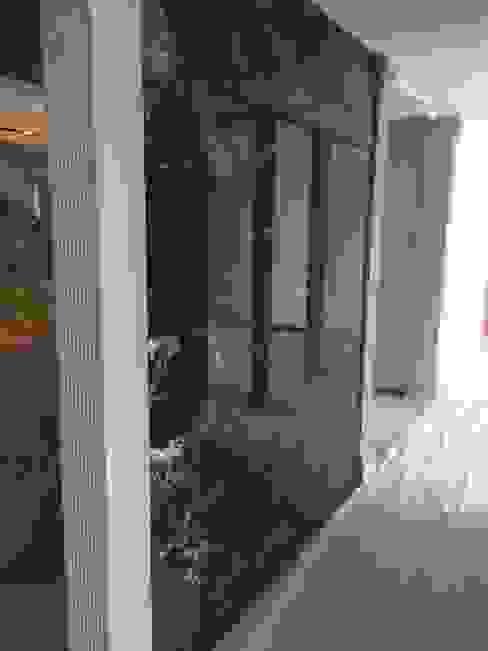 Mekgrup İç Mimari ve Dekorasyon – Özel ofis tasarım ve uygulaması:  tarz Duvarlar, Modern
