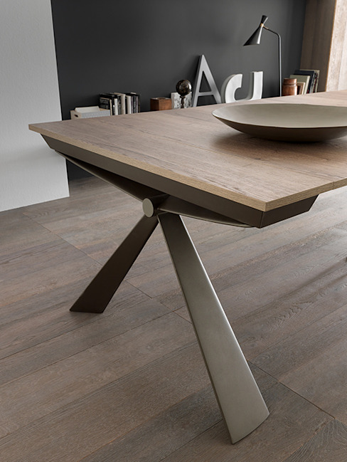 Modern dining room by Mobili a Colori Modern Engineered Wood Transparent