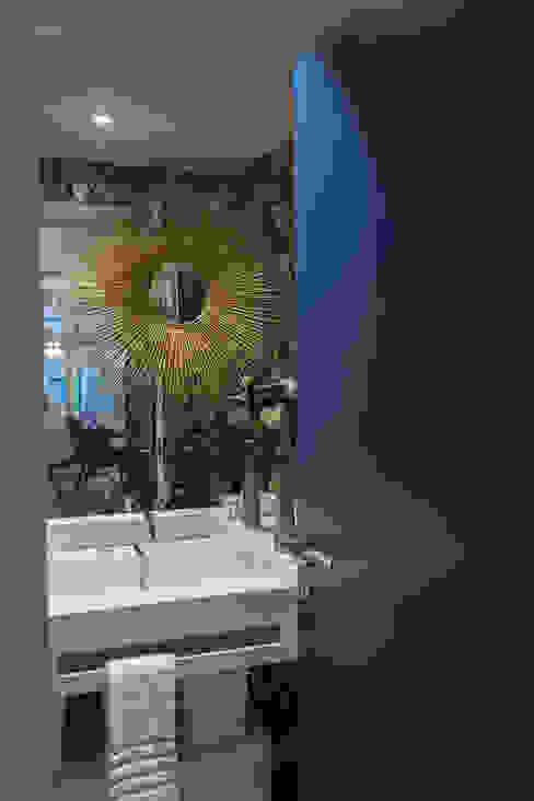 I.S Social: Casas de banho  por Inêz Fino Interiors, LDA,Moderno
