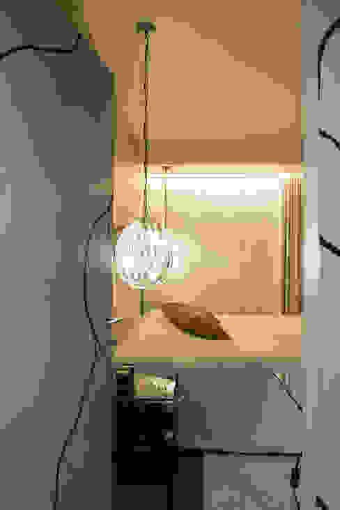 Quarto de visitas 1: Quartos  por Inêz Fino Interiors, LDA,Moderno