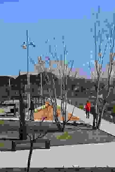 Jardín del Suspiro Jardines de estilo mediterráneo de scs arquitectura Mediterráneo