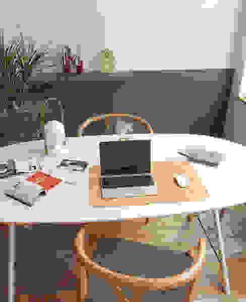 Пробка хороша везде Рабочий кабинет в стиле модерн от Go4cork Модерн Пробка