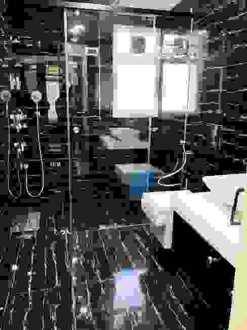 Master washroom Paimaish Modern bathroom Tiles Black