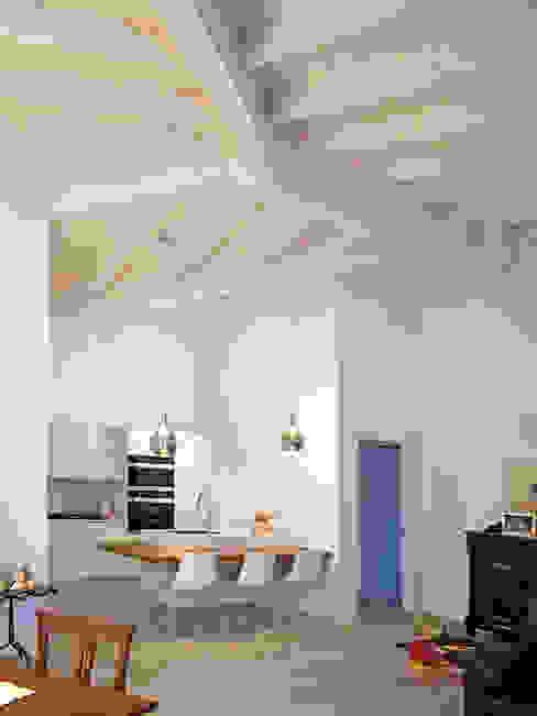 Villa in legno a Scanzorosciate (Bergamo) Cucina in stile classico di Marlegno Classico Legno Effetto legno