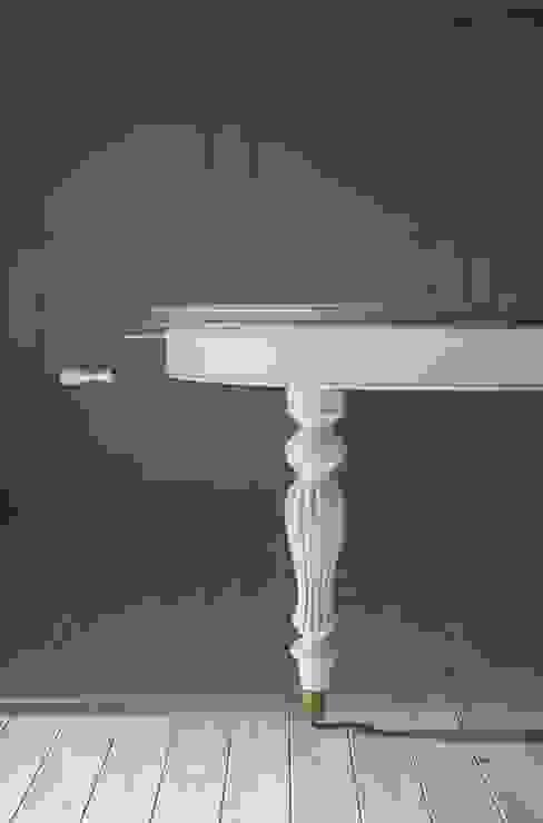 Tavolo ovale stile inglese con estensione a manovella, gambe tornite con ruote in metallo Mobili a Colori Sala da pranzo in stile classico Legno massello Bianco