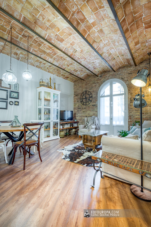 Turismo (mejor) que en casa en pleno barrio del Eixample barcelonés Hoteles de estilo ecléctico de Carlos Sánchez Pereyra | Artitecture Photo | Fotógrafo Ecléctico