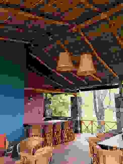 TERRAZA CAMPESTRE Balcones y terrazas rurales de EDIFICA COLIMA SA DE CV Rural Piedra