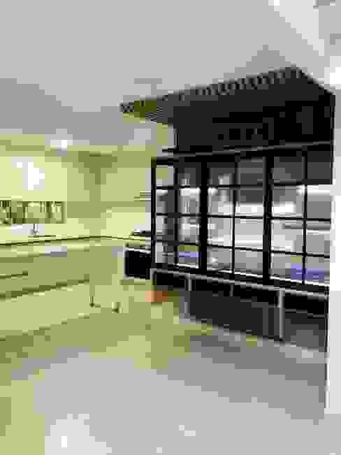 VIVIENDA MULTIFAMILIAR Cocinas modernas de SEQUOIA. Projects & Designs Moderno