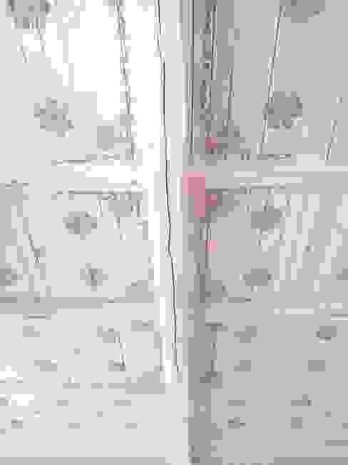 Decorazione e antichizzazione di un soffitto in legno Samantha Ceccobelli Hotel in stile classico Legno