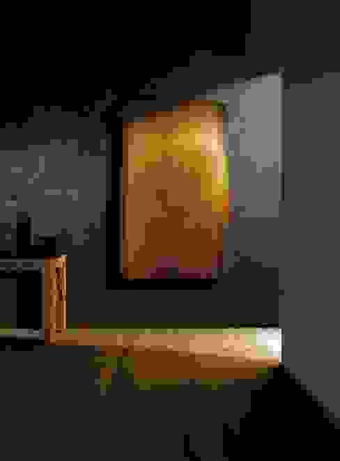 Elektrischer Heizkörper aus Zedernholz RF Design GmbH Wohnzimmer im Landhausstil
