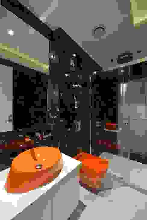 Milind Pai - Architects & Interior Designers Modern bathroom