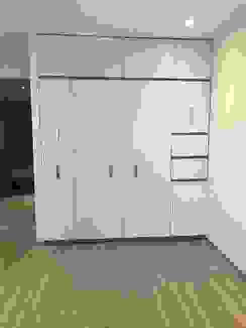 closet Vestidores minimalistas de Office&Design SA de CV Minimalista