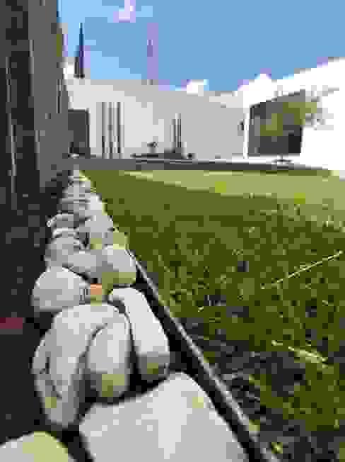 Jardín Ideas Arquitectónicas Jardines modernos Hierro/Acero Multicolor