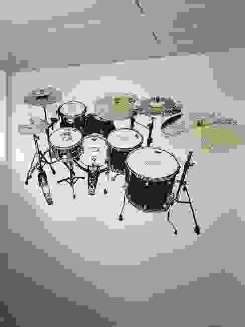 Das fertige Motiv an der Wand ab-design GmbH Moderne Wände & Böden