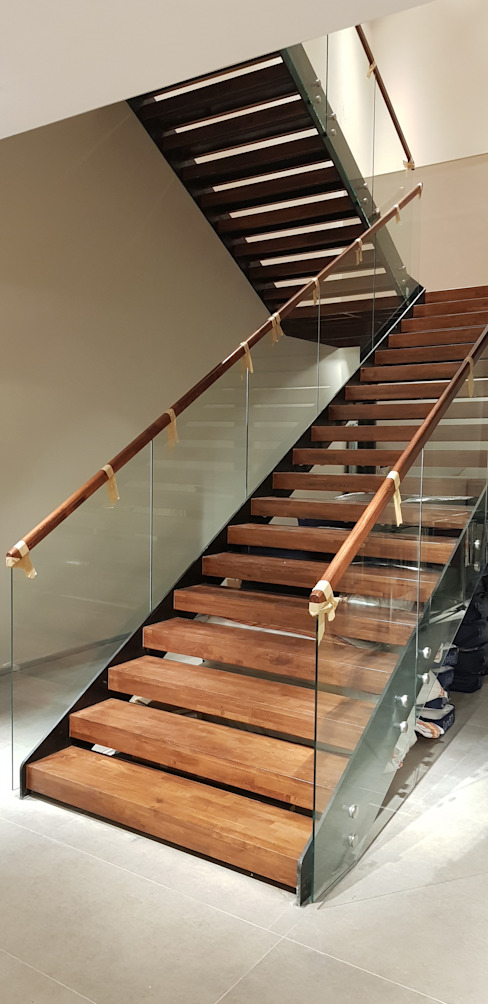 Stairs by Pİ METAL TASARIM MERDİVEN, Modern Iron/Steel