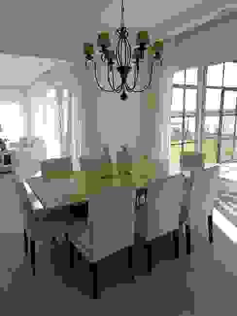 Comedor principal: Comedores de estilo  por Estudio Dillon Terzaghi Arquitectura - Pilar,Clásico Madera Acabado en madera