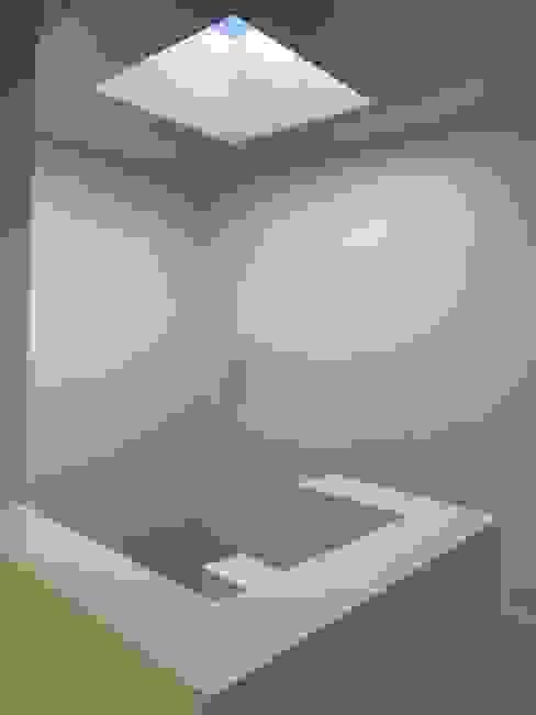 La escalera: Escaleras de estilo  por Estudio Dillon Terzaghi Arquitectura - Pilar,Clásico Vidrio