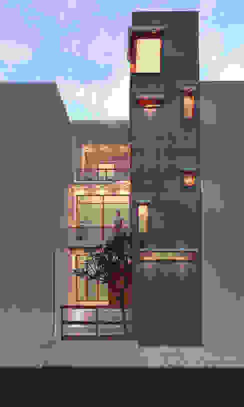 Ravi Prakash Architect Окремий будинок Залізобетон Білий