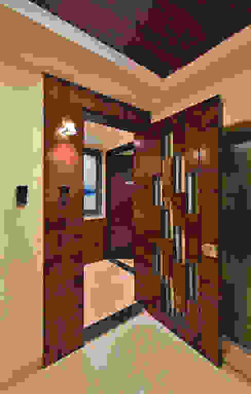Designer Safety Door:  Front doors by AARAYISHH (Mumbai & Pune),Modern Wood Wood effect