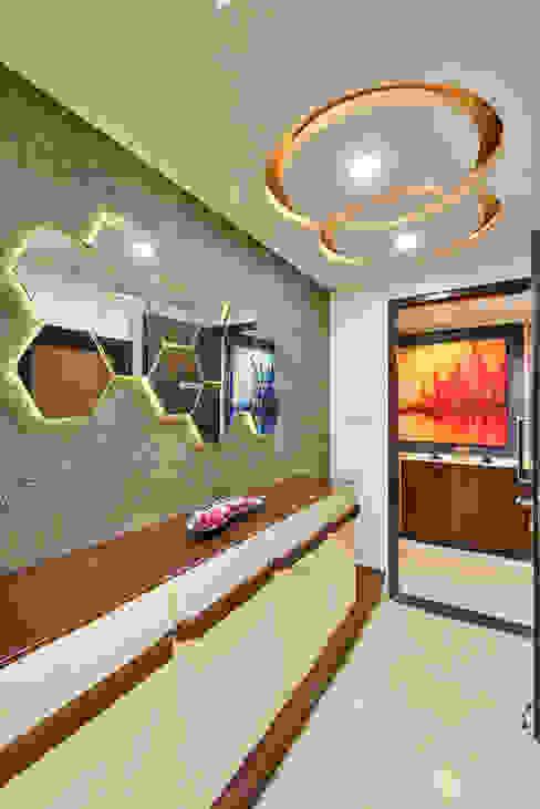 Inner Foyer:  Corridor & hallway by AARAYISHH (Mumbai & Pune),Modern