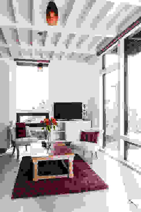 Estudio y casa de invitados lo cañas, estar estudio de MACIZO, ARQUITECTURA EN MADERA Moderno Madera Acabado en madera