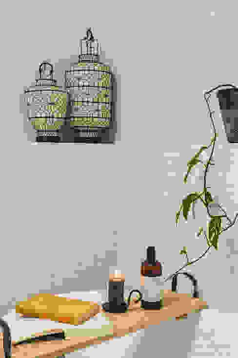 Beige kleurige verf met kleurnuances Mediterrane badkamers van Pure & Original Mediterraan