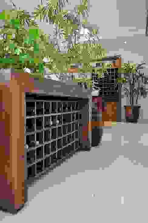 Jardim Europa Andreia Weiler Arquitetura Adegas rústicas Madeira Efeito de madeira