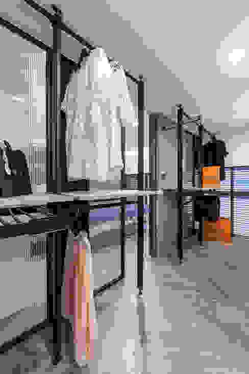 更衣室 根據 你你空間設計 現代風 塑木複合材料