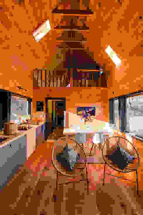 Casa Rural casa rural - Arquitectos en Coyhaique Livings de estilo moderno