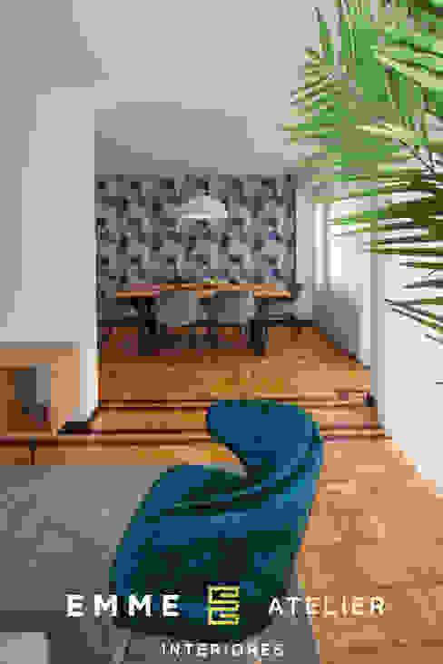 Decoração estilo industrial de um apartamento T3 - Aveiro Salas de estar industriais por EMME Atelier de Interiores Industrial