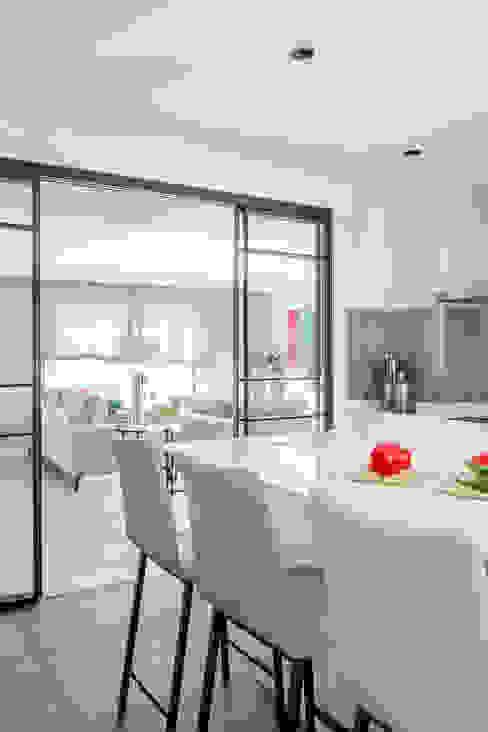 itta estudio Modern style kitchen