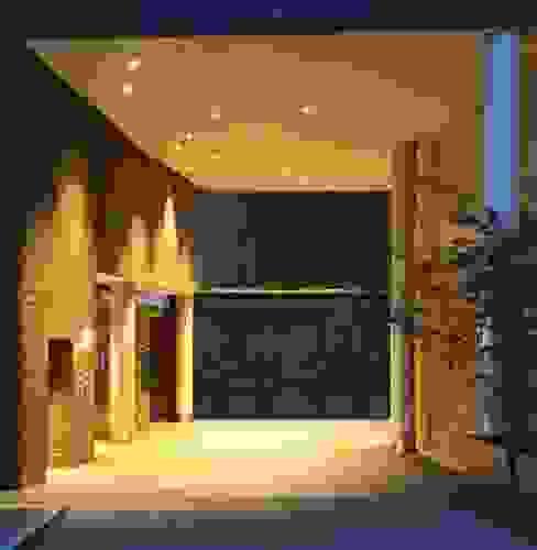 Bricks Schöneberg Hintereingang Moderne Geschäftsräume & Stores von Sandra Klösges Modern