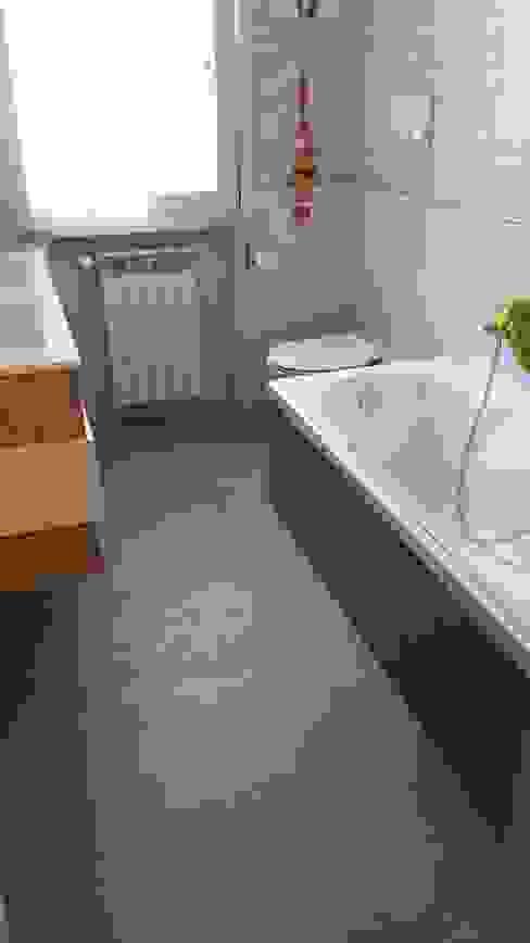 Pavimento bagno in resina cementizia EVOLUZIONE sc Bagno moderno Cemento Grigio