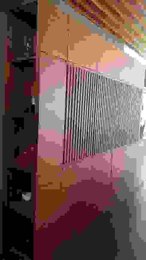 Mueble de enchapado Estudios y despachos minimalistas de La ChaPa Minimalista