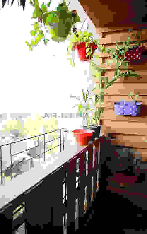 Landscaped Balcony by Neha Dharkar Modern