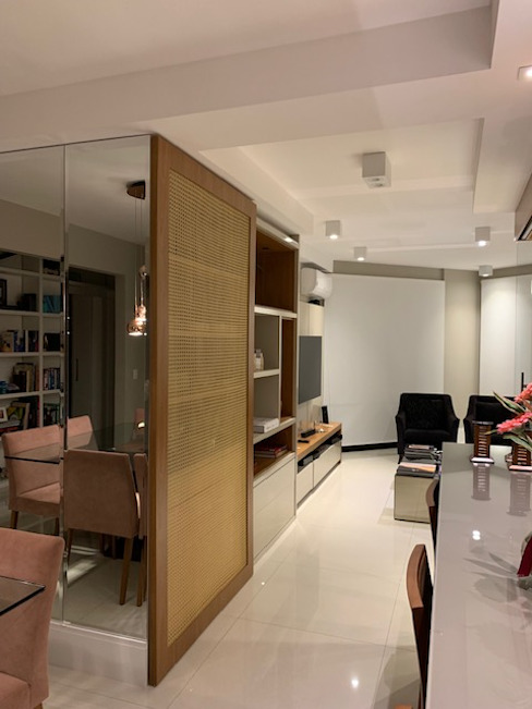 Salas integradas com bar e churrasqueira Salas de estar modernas por NEUSA MORO Moderno