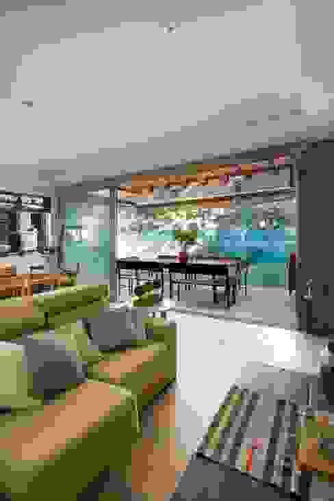 Casa Parque Leloir Livings modernos: Ideas, imágenes y decoración de Carbone Arquitectos Moderno