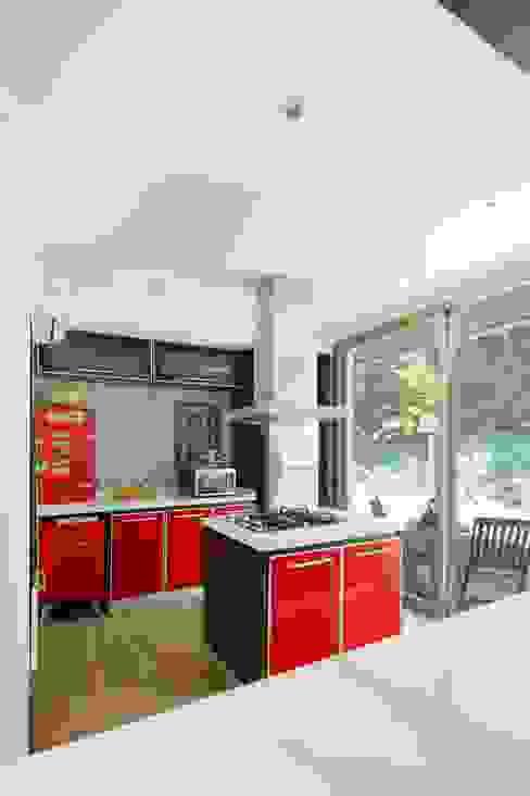 Casa Parque Leloir de Carbone Arquitectos Moderno