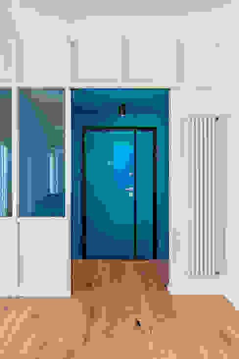 Casa c70 Soggiorno moderno di Caleidoscopio Architettura & Design Moderno Legno Effetto legno
