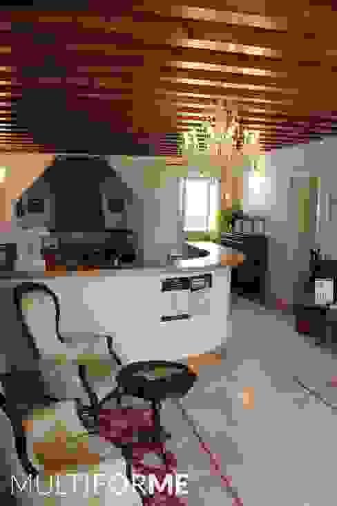 Винодельня Giusti Коридор, прихожая и лестница в классическом стиле от MULTIFORME® lighting Классический