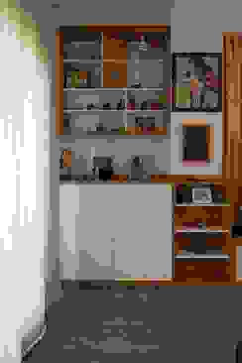 Mueble salón de CREAPROJECTS. Interior design. Ecléctico