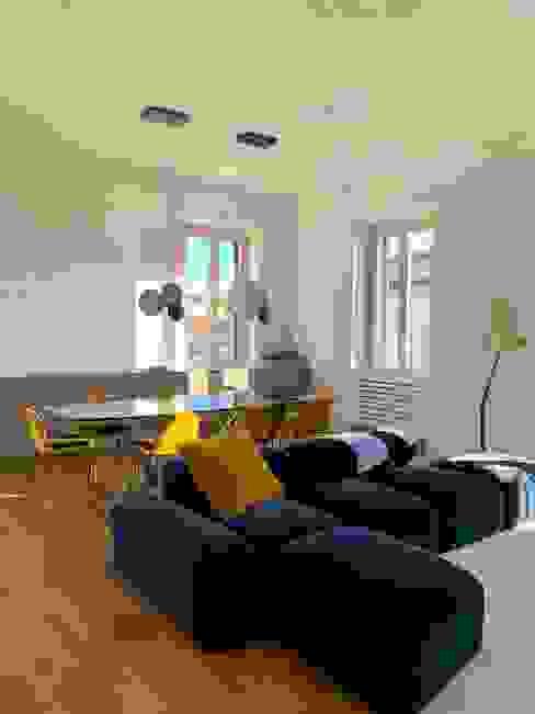 Modern Living Room by Arabella Rocca Architettura e Design Modern