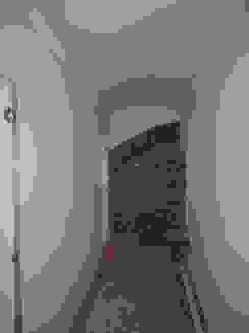 Sara Berettieri Architetto Modern Corridor, Hallway and Staircase Stone White