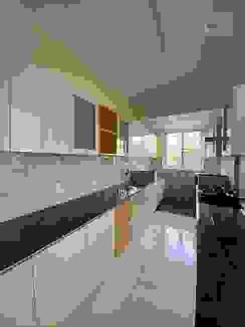 Kitchen Modern kitchen by U and I Designs Modern Plywood