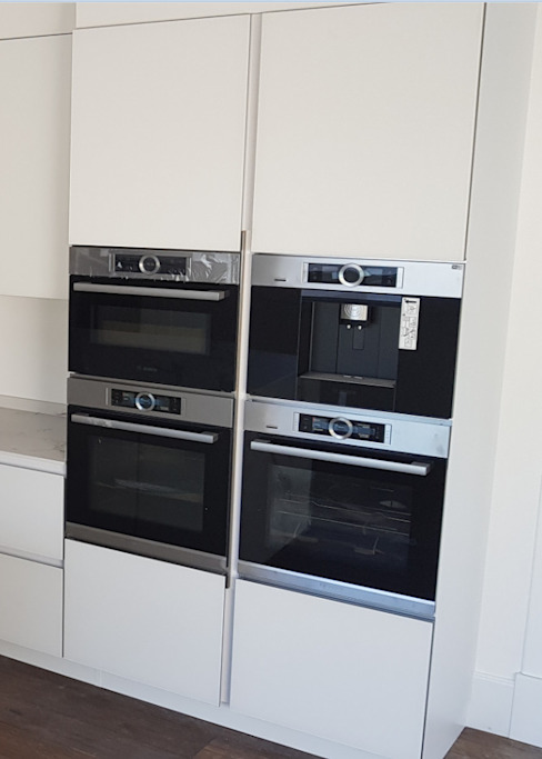Electrodomésticos en muebles columna de Decodan - Estudio de cocinas y armarios en Estepona y Marbella Moderno