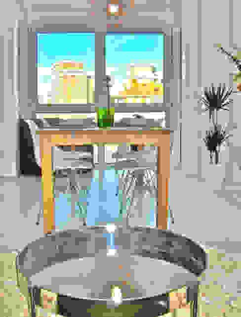 Desde del sofá mirando al exterior Ana Salomé Branco SalonesAccesorios y decoración Metal Blanco