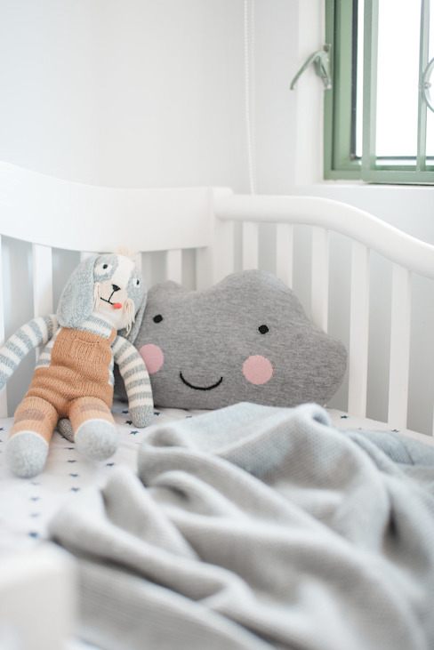 Bright & Cosy Nursery S.Lo Studio Baby room Wood Grey