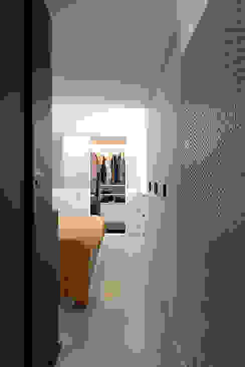 VOLUMI SOSPESI Tommaso Giunchi Architect Camera da letto in stile industriale
